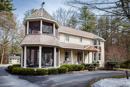 Photo of 10 BLUEBIRD CT, Saratoga Springs, Outside, NY 12866 (MLS # 202011120)