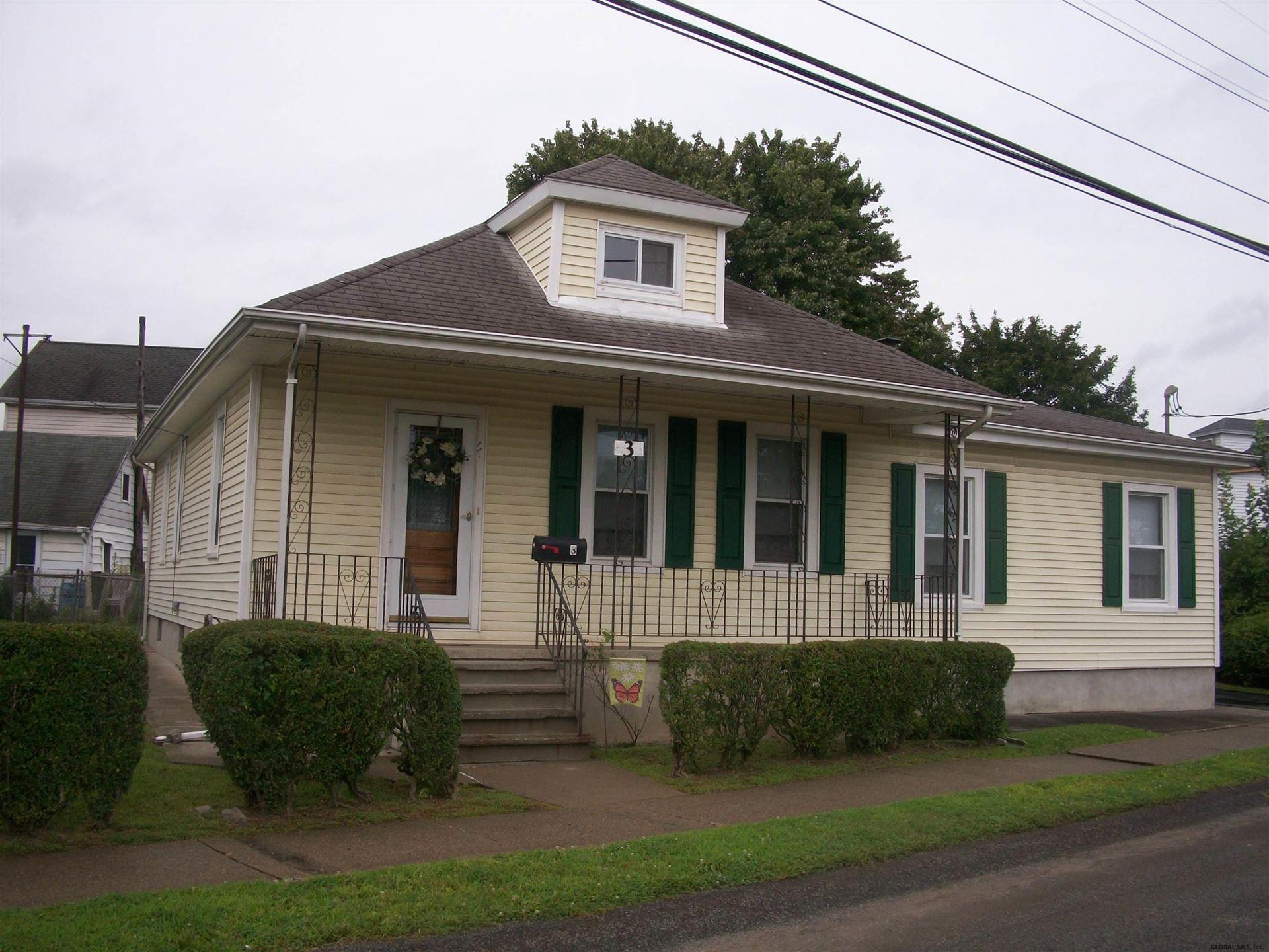 3 ERIE ST, Colonie, NY 12189 - #: 202127268