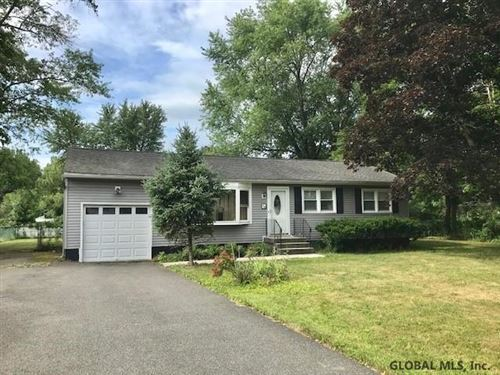 Photo of 1346 MAPLE HILL RD, Schodack TOV, NY 12033-1611 (MLS # 201936286)