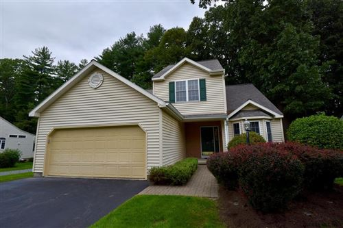 Photo of 27 WATERVIEW DR, Saratoga Springs, NY 12866 (MLS # 202129292)