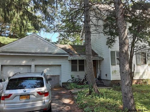Photo of 2823 TROY SCHENECTADY RD, Schenectady, NY 12309 (MLS # 202129400)