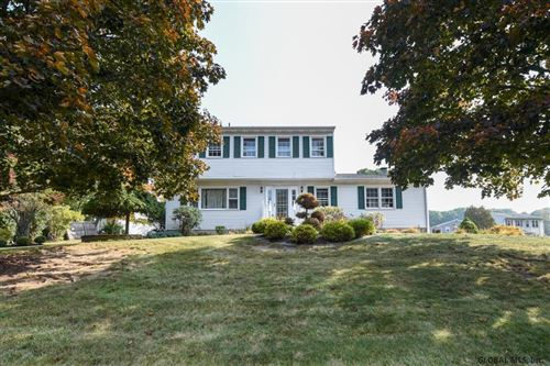 Photo of 115 HORIZON VIEW DR, East Greenbush, NY 12061 (MLS # 202029418)