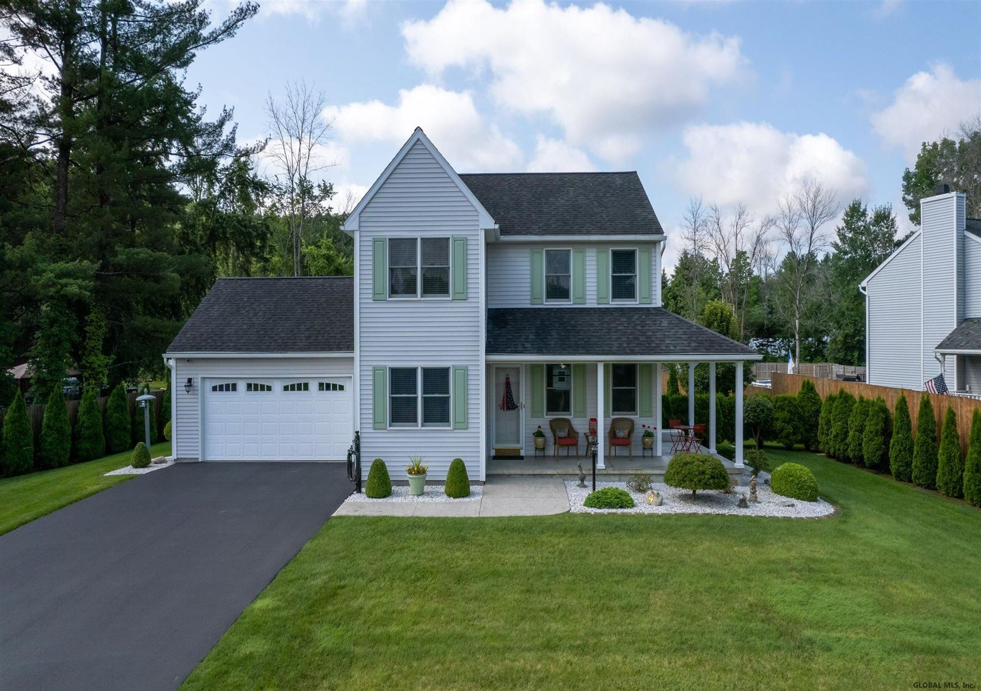 4 KINGS MILL CT, Colonie, NY 12205 - #: 202128493