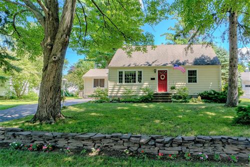 Photo of 13 ELWOOD RD, Bethlehem, NY 12054-2403 (MLS # 202024494)
