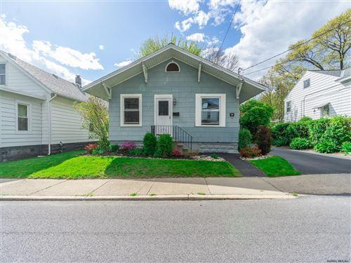 Photo of 29 CROMER AV, Schenectady, NY 12304-1811 (MLS # 202118495)
