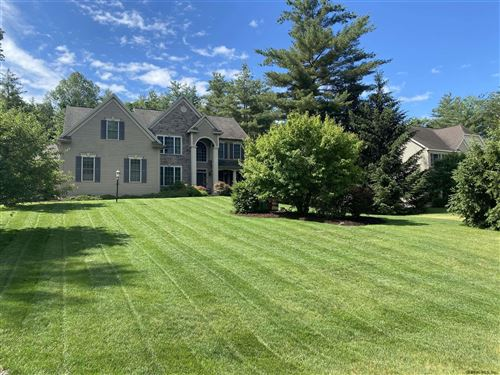 Photo of 10 AZALEA DR, Saratoga Springs, NY 12866 (MLS # 202112645)