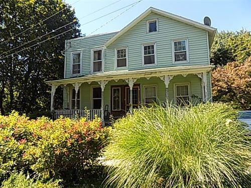 Photo of 16 WILLOW ST, Castleton-on-Hudson, NY 12033 (MLS # 202128789)