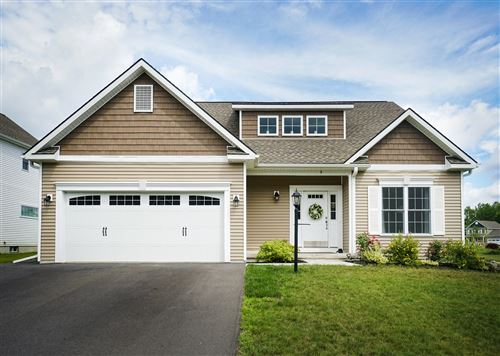 Photo of 9 LAKEPOINTE WAY, Stillwater, NY 12866 (MLS # 202021825)