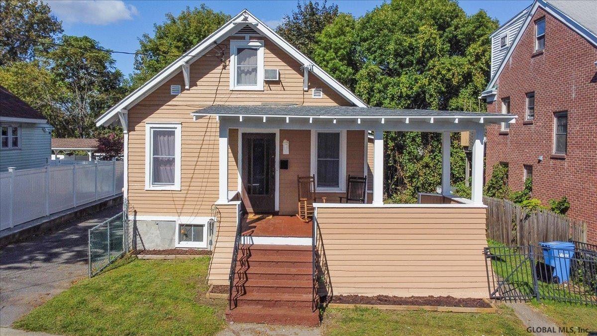 11 FROST PL, Albany, NY 12205-3511 - #: 202129844