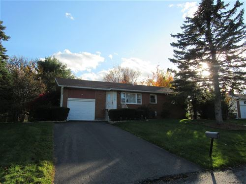 Photo of 19 GRAFFIN DR, Colonie, NY 12110 (MLS # 202013878)