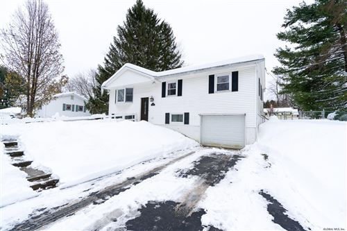 Photo of 28 LORI LA, Colonie, NY 12100 (MLS # 201935926)