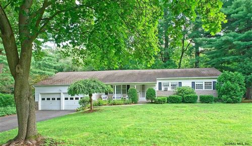 Photo of 16 PEPPER HOLLOW DR, Clifton Park, NY 12065 (MLS # 202124926)
