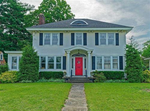 Photo of 1702 GUILDERLAND AV, Schenectady, NY 12306 (MLS # 202124998)