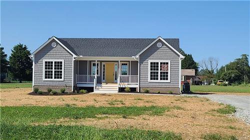 Photo of 9 James Field Manor, New Kent, VA 23141 (MLS # 2004024)
