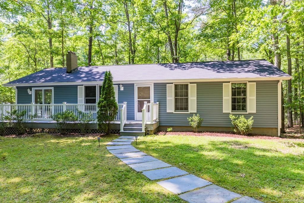 Photo for 473 Bermuda Road, Lancaster, VA 22503 (MLS # 1933246)