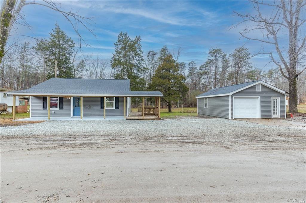 Photo of 5502 Lakeside Drive, Powhatan, VA 23139 (MLS # 2102284)