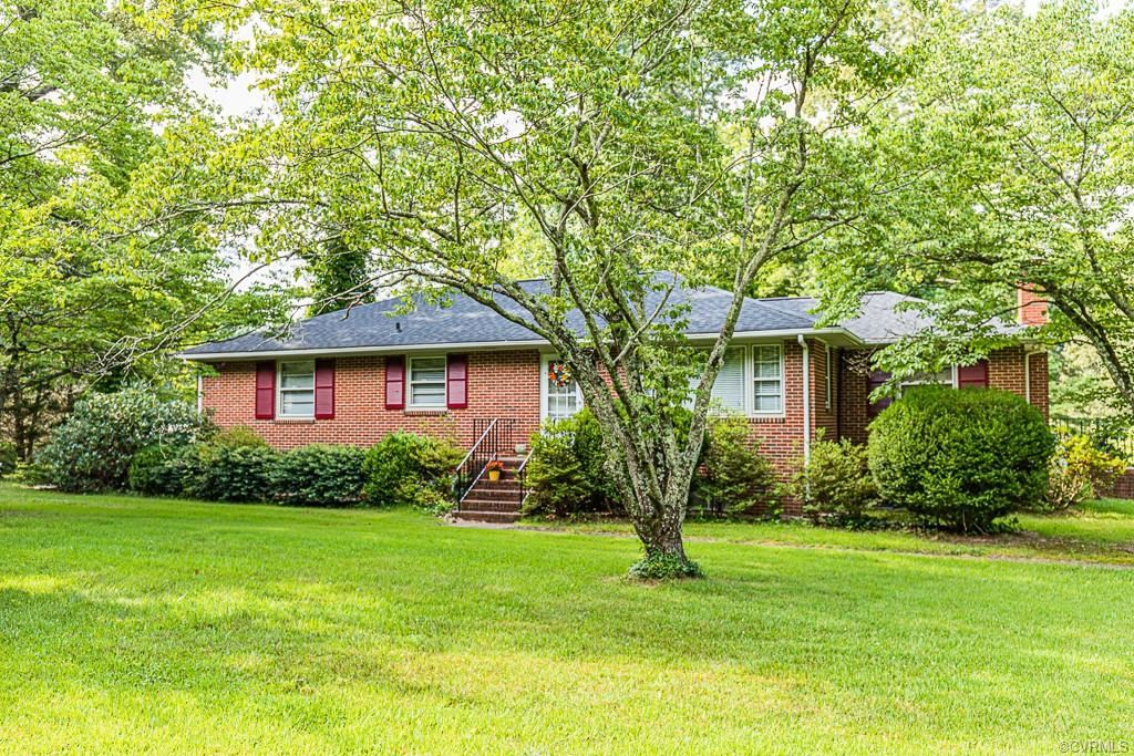 Photo for 4455 Market Road, Mechanicsville, VA 23111 (MLS # 2015346)