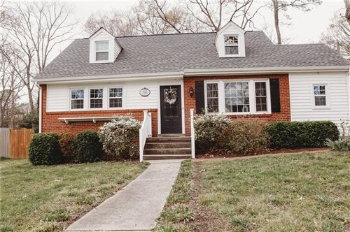 Photo of 1314 Camden Drive, Richmond, VA 23229 (MLS # 2009525)