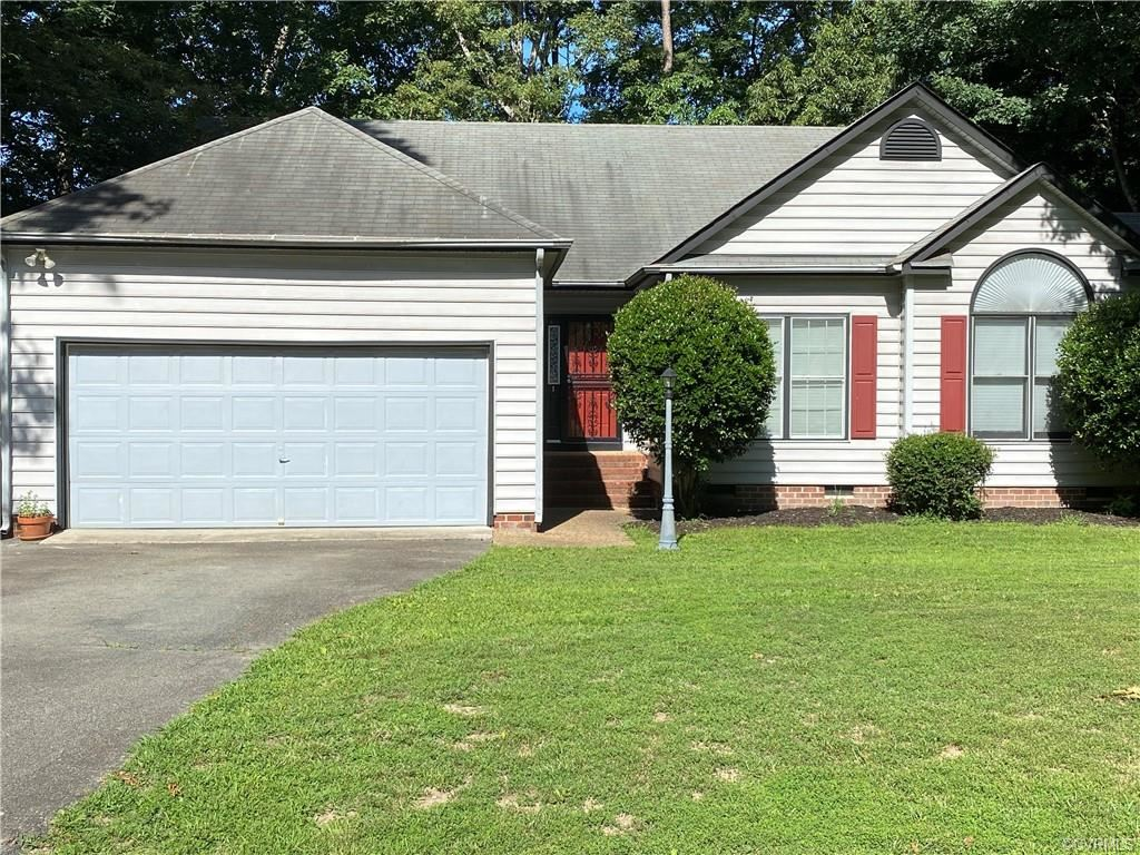 Photo for 1520 Crawford Wood Drive, Chesterfield, VA 23114 (MLS # 2115656)