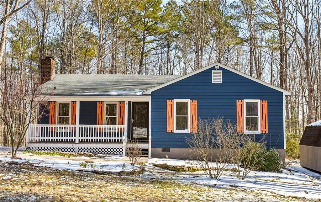 Photo of 3231 Countryside West Drive, Gum Spring, VA 23065 (MLS # 2104667)