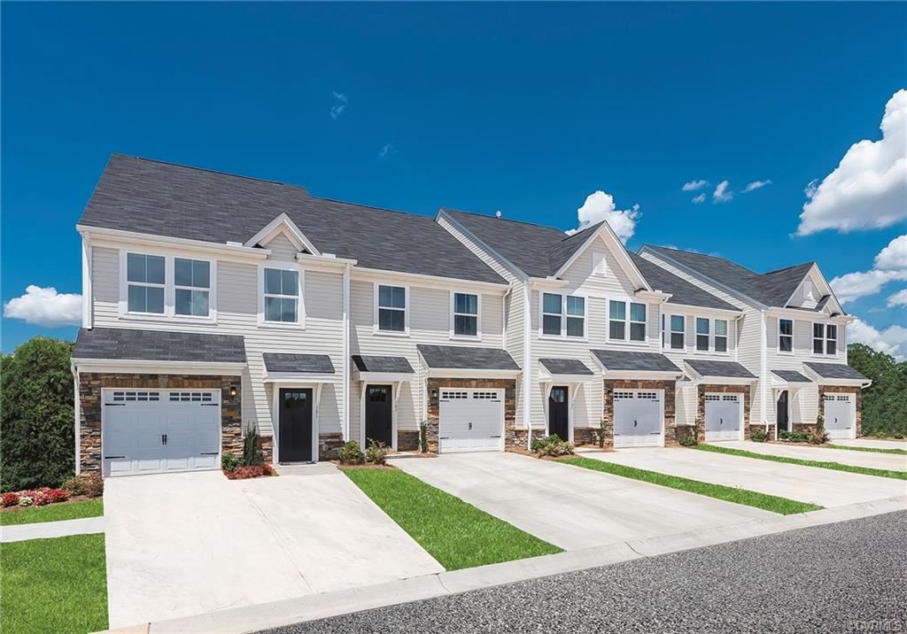 Photo for 400 Braden Woods Drive #CCE, Chesterfield, VA 23832 (MLS # 2019838)