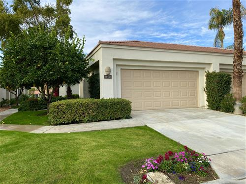 Photo of 54-541 Oakhill, La Quinta, CA 92253 (MLS # 219055384)