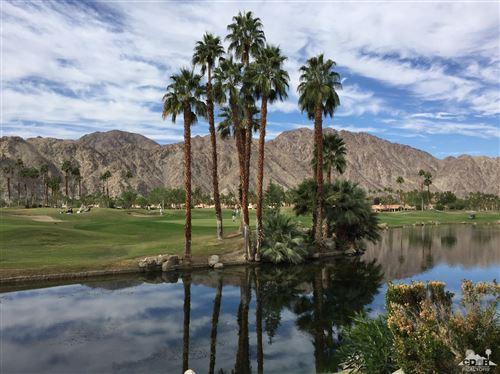 Photo of 55855 Oak Hill, La Quinta, CA 92253 (MLS # 219064550)