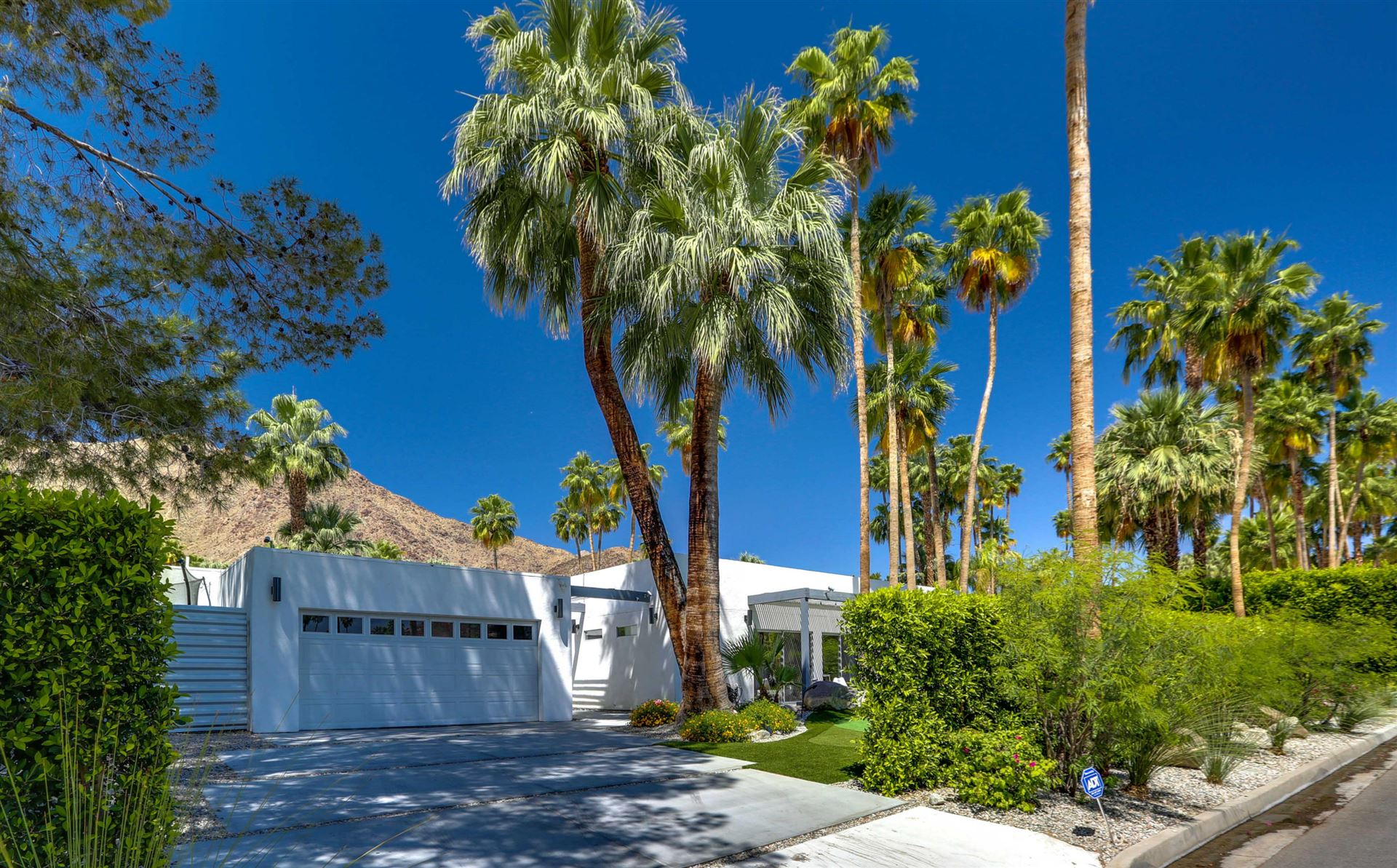 985 N Via Monte Vista, Palm Springs, CA 92262 - #: 219038936