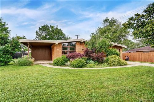 Photo of 1008 Chateau Drive, Kettering, OH 45429 (MLS # 842095)