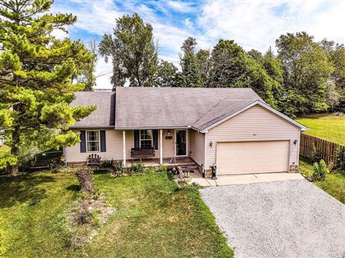 Photo of 814 Brande Drive, Eaton, OH 45320 (MLS # 825124)