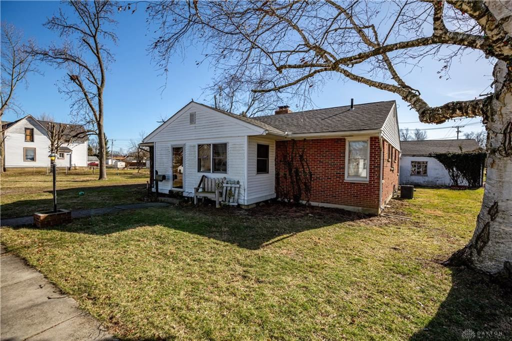 Photo for 331 Chicago Street, Eaton, OH 45320 (MLS # 810223)