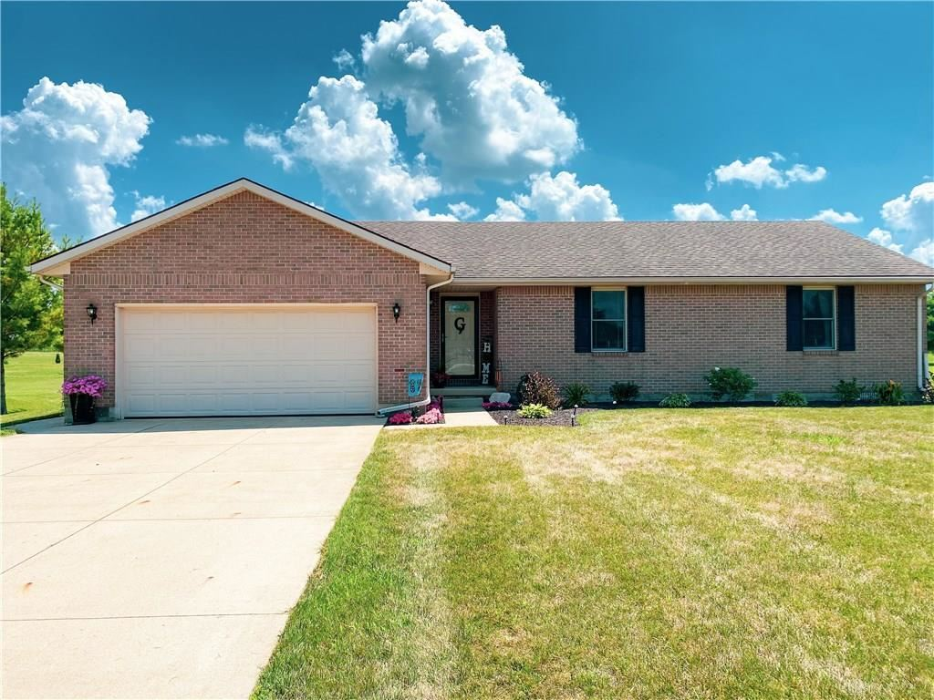 Photo for 7706 Pinewood Drive, Lewisburg, OH 45338 (MLS # 822276)