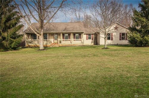 Photo of 703 Brande Drive, Eaton, OH 45320 (MLS # 808289)