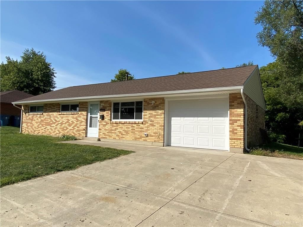 Photo for 6207 Falkland Drive, Huber Heights, OH 45424 (MLS # 826420)