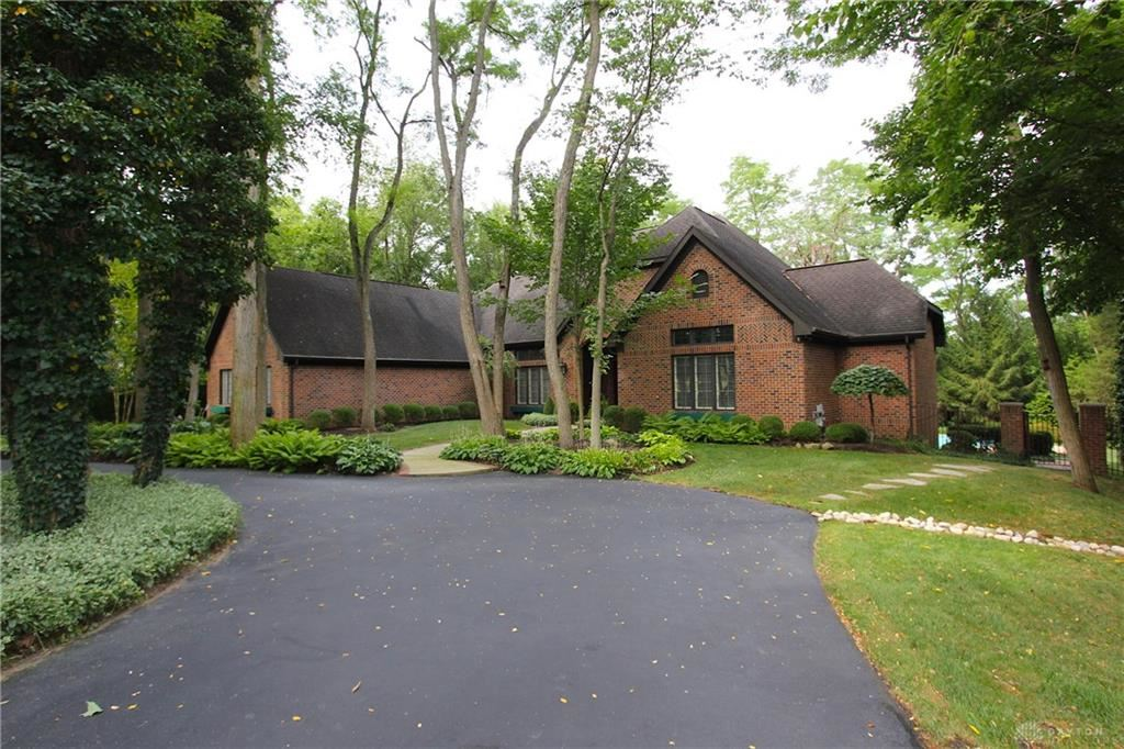 Photo for 7087 Meeker Commons Lane, Butler Township, OH 45414 (MLS # 775471)