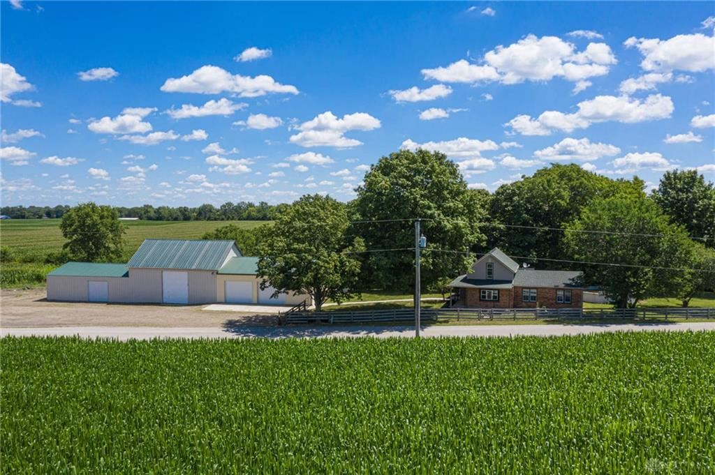 Photo for 8700 Quaker Trace Road, Camden, OH 45311 (MLS # 822555)