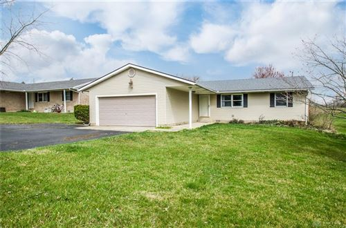 Photo of 47 Viking Drive, Eaton, OH 45320 (MLS # 836564)