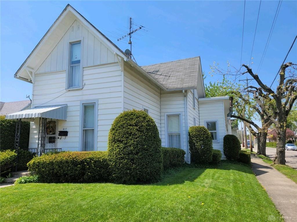 Photo for 617 Cherry Street, Eaton, OH 45320 (MLS # 838609)