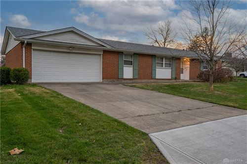 Photo of 120 Southlake Drive, Centerville, OH 45459 (MLS # 830654)