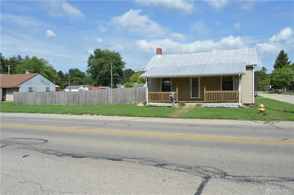 Photo for 900 Maple Street, Eaton, OH 45320 (MLS # 822691)