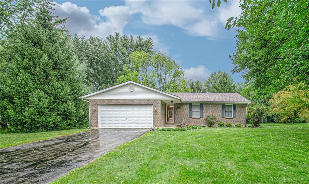 Photo for 41 Long Drive, Eaton, OH 45320 (MLS # 849707)