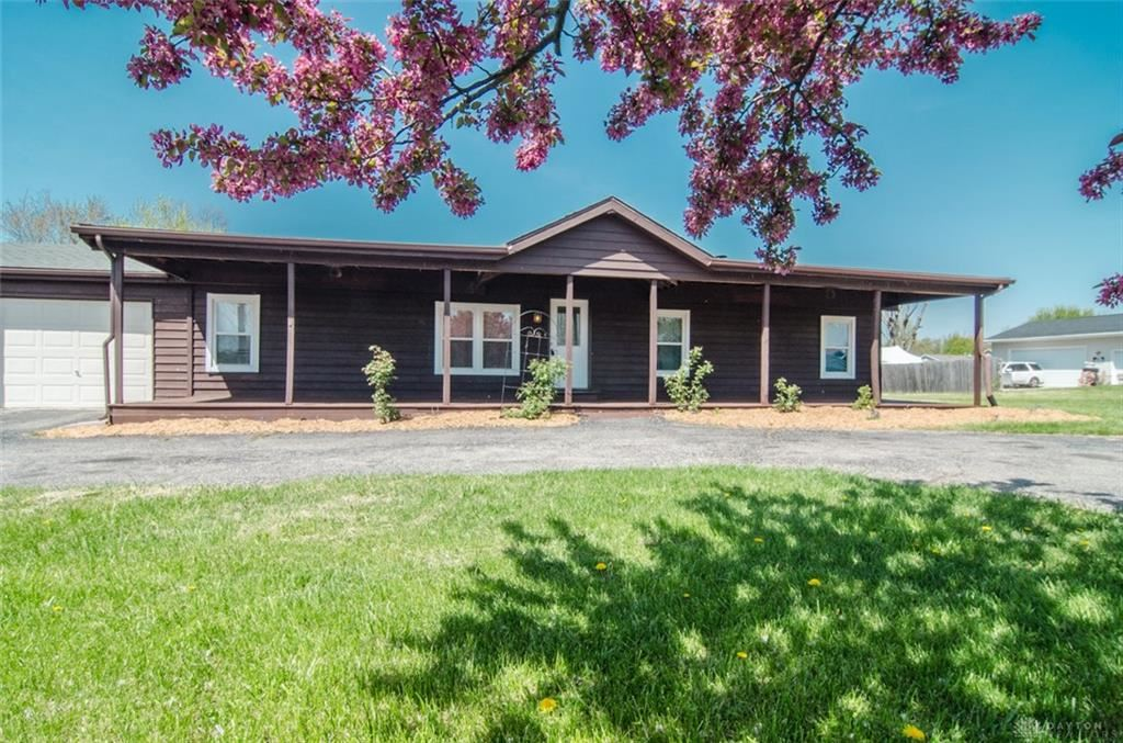 Photo for 209 Norseman Drive, Eaton, OH 45320 (MLS # 838721)