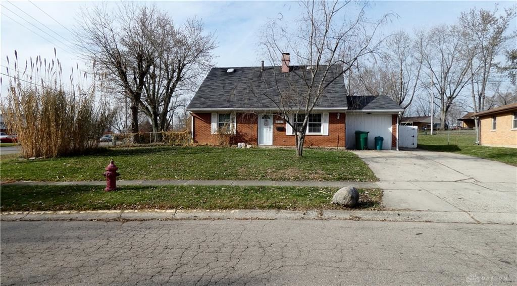 Photo for 7501 Stancrest Drive, Huber Heights, OH 45424 (MLS # 806753)
