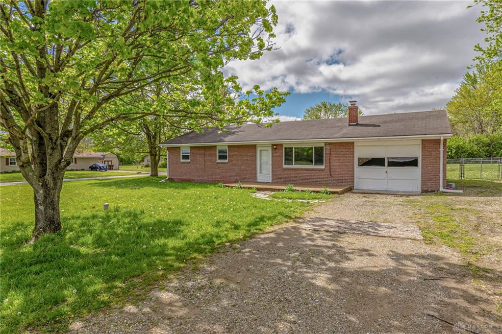 Photo for 1724 Wolf Road, West Alexandria, OH 45381 (MLS # 815780)