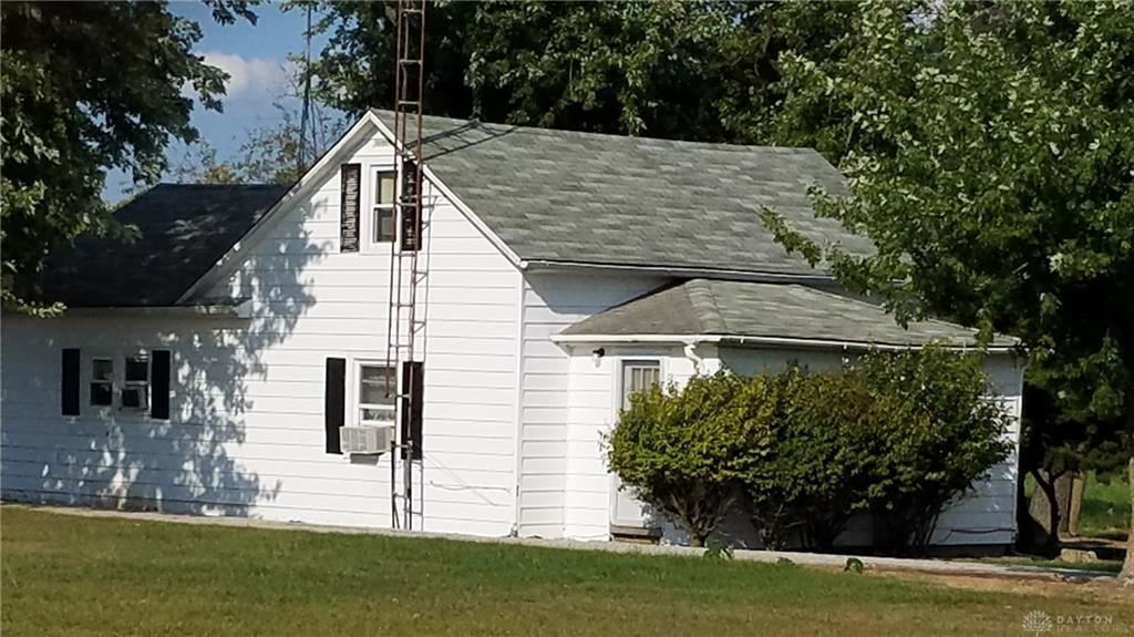 Photo for 4203 Crawfordsville Campbellstown Road, Eaton, OH 45320 (MLS # 825804)