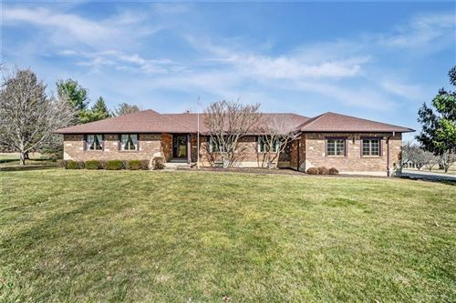 Photo of 2734 Pheasant Run Lane, Beavercreek, OH 45434 (MLS # 837806)