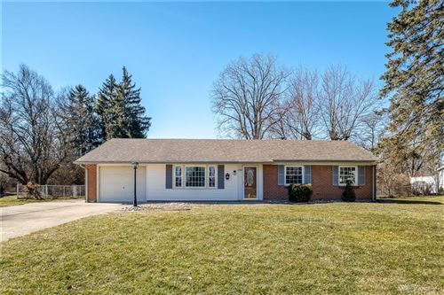 Photo of 4100 Tonawanda Trail, Beavercreek, OH 45430 (MLS # 834815)