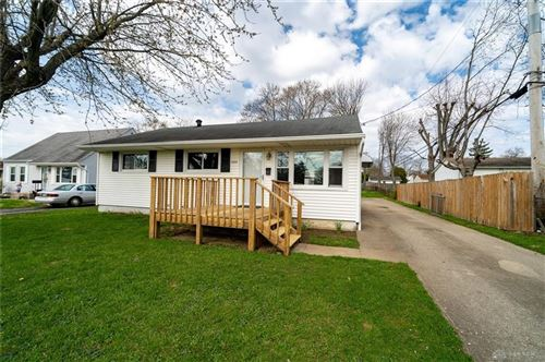 Photo of 3529 Valleywood Drive, Kettering, OH 45429 (MLS # 813819)