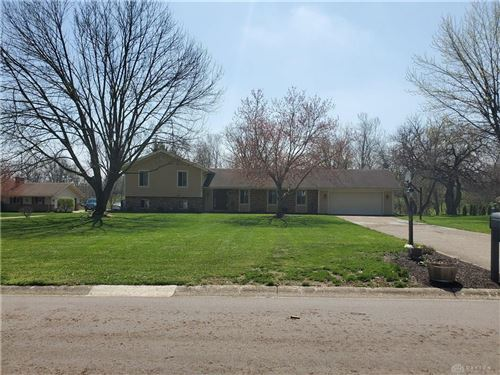 Photo of 940 Burnside Drive, Tipp City, OH 45371 (MLS # 813831)