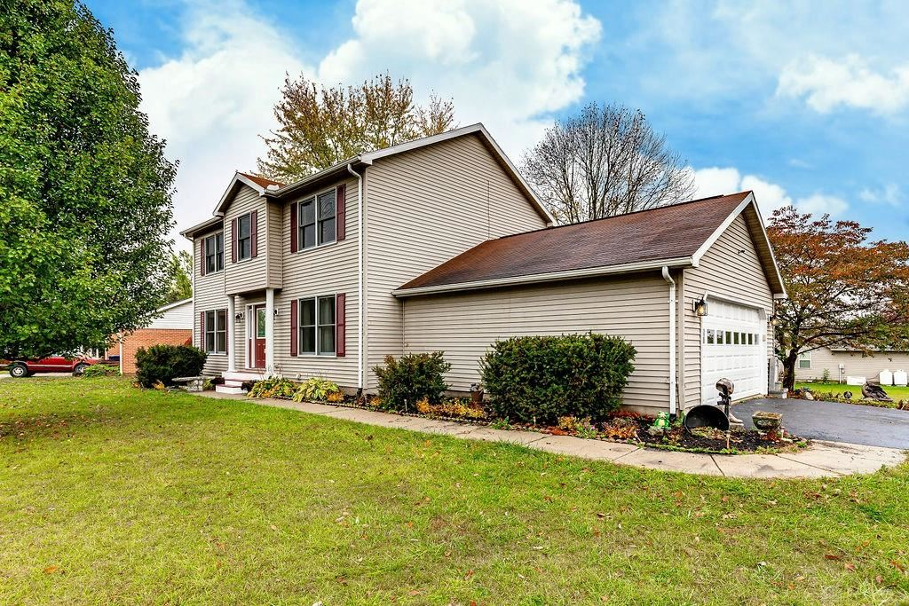Photo for 140 Valhalla Drive, Eaton, OH 45320 (MLS # 828837)
